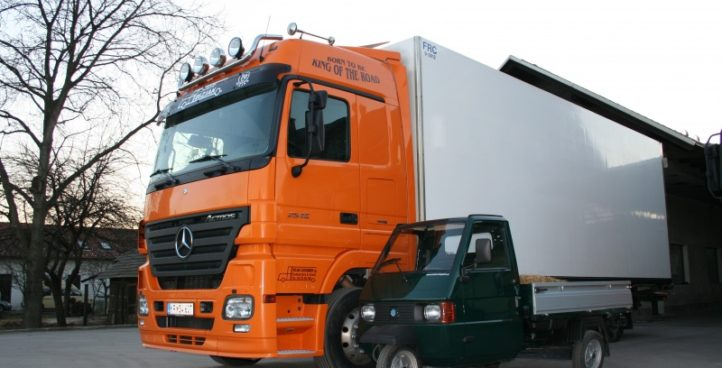 Primerjava tri-kolesnega in štiri-kolesnega tovornjaka