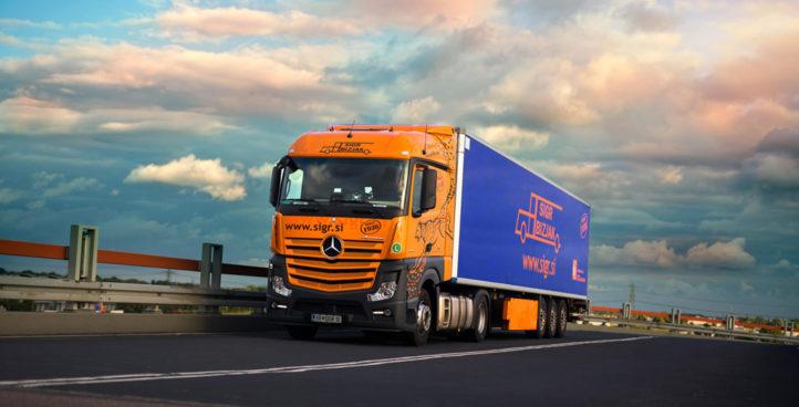 Sigr Bizjak tovorno vozilo med nevihto