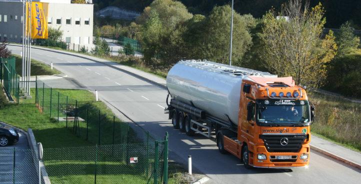 Sigr Bizjak tovorno vozilo med vožnjo