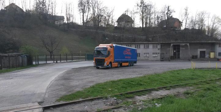 Sigr Bizjak tovorno vozilo/od daleč