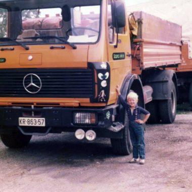 Sin ob tovornjaku